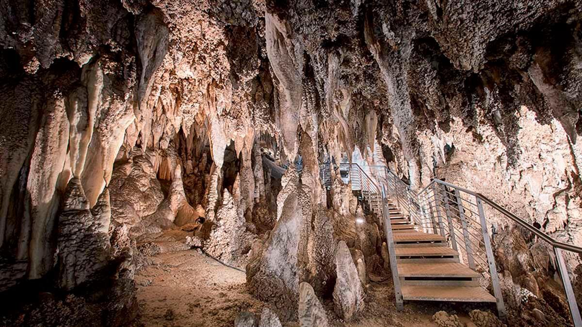 Экскурсия «Чудеса Природы – Пещера Л'Aнтро делла Коркия» (фото 6)