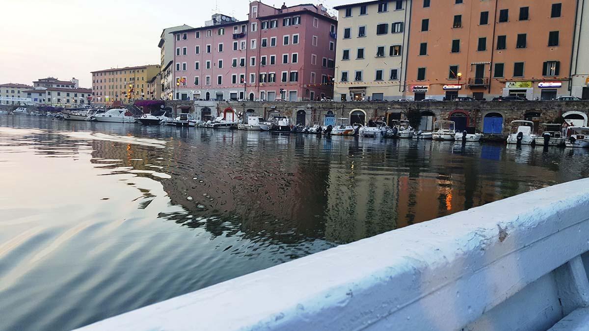 Лодочная экскурсия по кварталу Новая Венеция (фото 3)