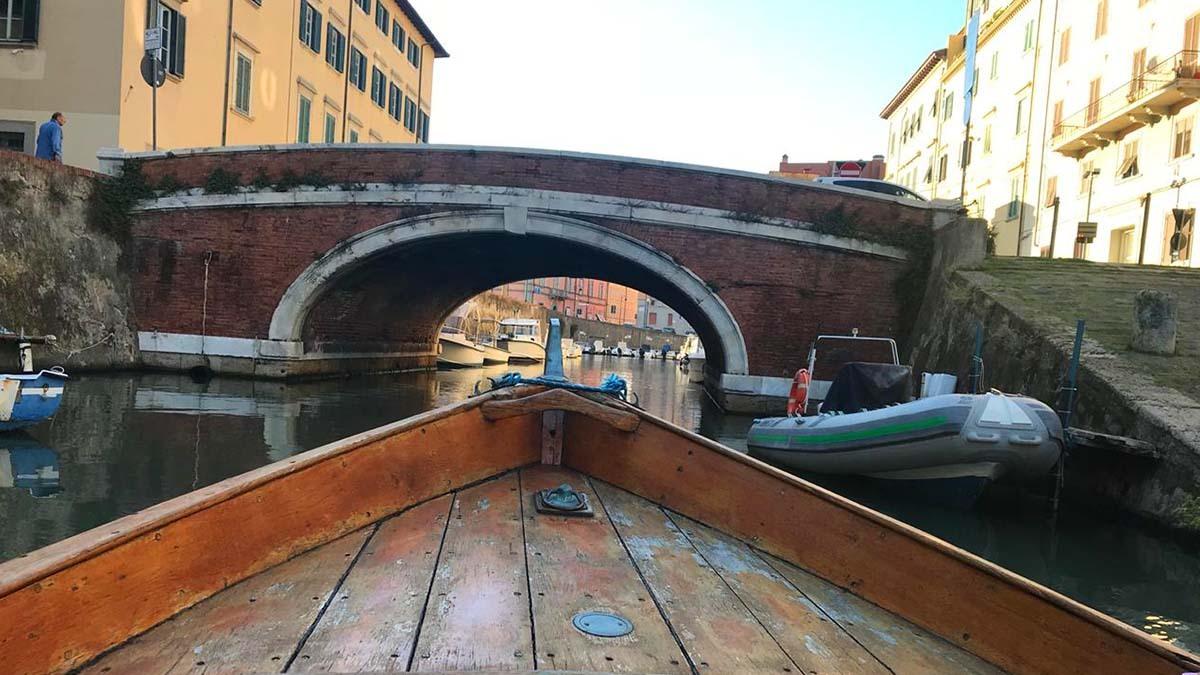 Лодочная экскурсия по кварталу Новая Венеция (фото 4)