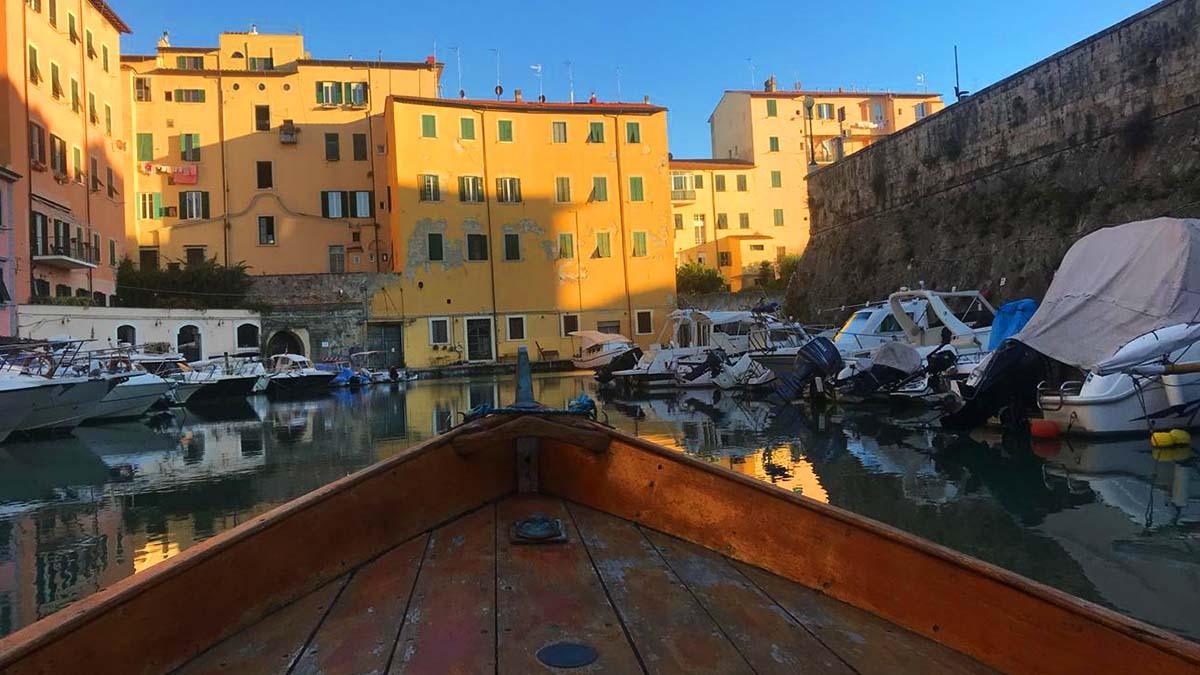 Лодочная экскурсия по кварталу Новая Венеция (фото 5)