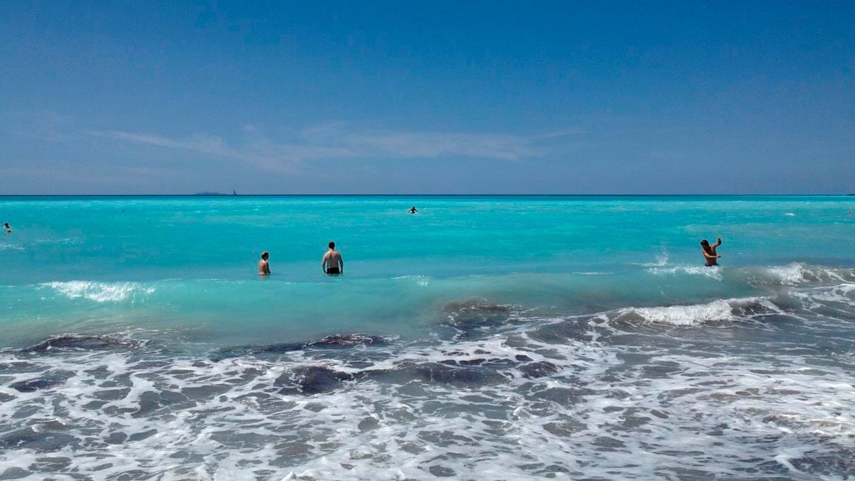 Морская прогулка вдоль побережья (фото 4)