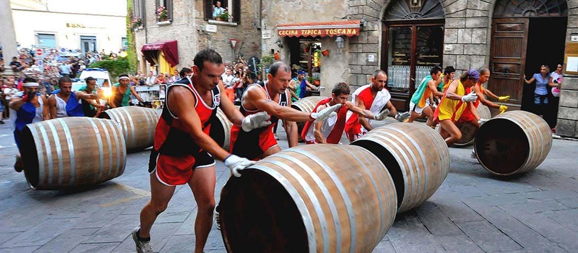 Монтальчино - Бравио (Палио) по перекатыванию бочек