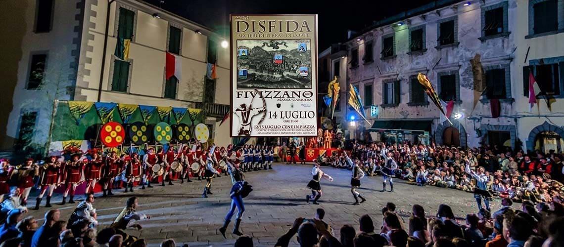 Фивиццано - «Соревнования между лучниками земли и двора»